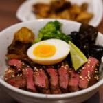 【台北】初牛~牛排丼饭(白饭、汤吃到饱)