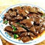 【新竹】在地人狂推!城隍庙必吃「鸭肉许」配小黄瓜、炒鸭血